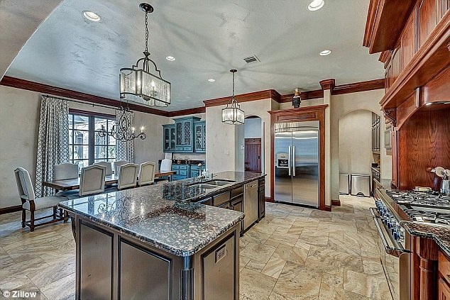 Giá nhà ở Texas không quá đắt đỏ và với 3 triệu đô đã có thể sở hữu căn biệt thự siêu đẹp này