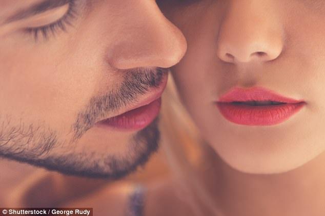 """Tình dục đường miệng làm lây lan """"siêu vi khuẩn lậu"""" không thể chữa khỏi"""