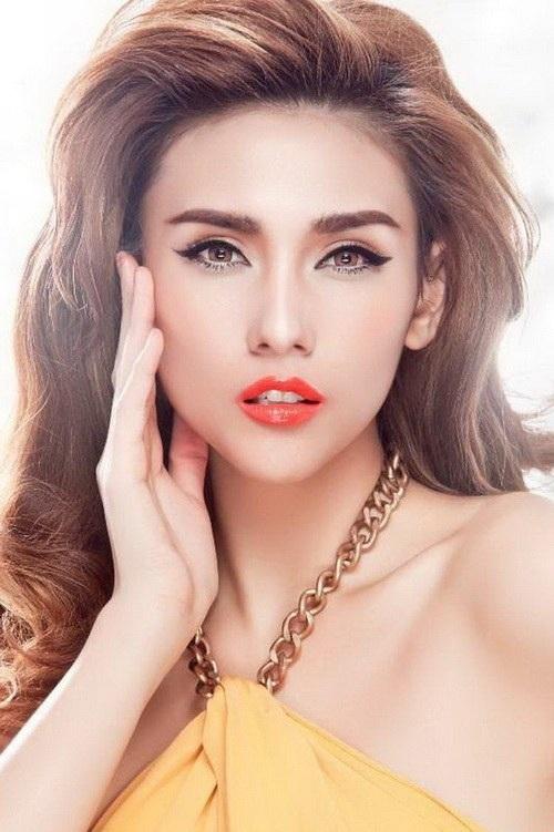 Người mẫu Võ Hoàng Yến mong muốn nghề người mẫu chân chính được bảo vệ trước những danh xưng tự nhận vô tội vạ như bây giờ khiến tất cả đều bị quy chụp không hay