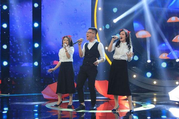 """SIG cũng nhận """"cơn mưa"""" lời khen khi cover hit Lưu Hương Giang, """"Đừng ngoảnh lại"""" theo phong cách Jazz."""