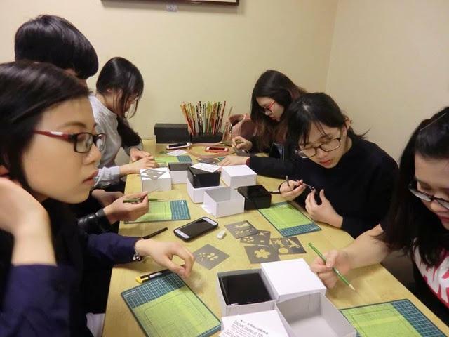 Sinh viên Đại học FPT trong một giờ học ngoại khóa tại Nhật.