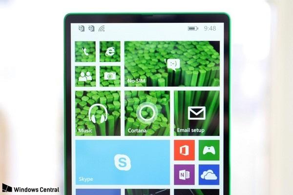 Cận cảnh smartphone không viền màn hình được Microsoft phát triển từ năm 2014 - 3