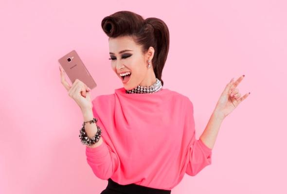 Chọn smartphone nào tặng nàng nhân ngày lễ Tình nhân? - 1