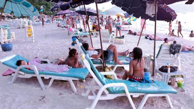 Du khách hút thuốc lá tại 20 bãi biển của Thái Lan sẽ nhận mức phạt nghiêm khắc