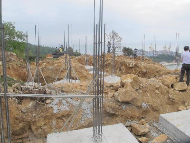 Công ty cổ phần Biển Tiên Sa đã cho xây dựng 40 móng biệt thự trên Bán đảo Sơn Trà