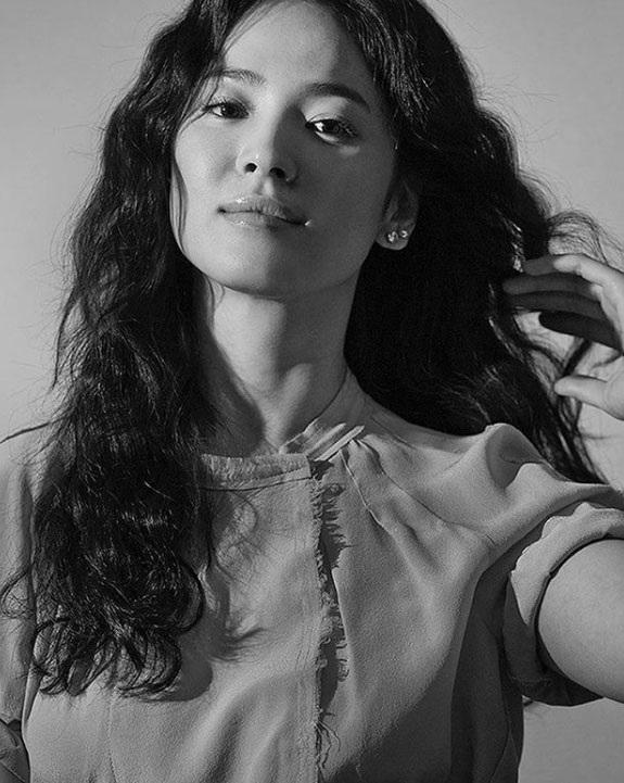 Song Hye Kyo và Song Joong Ki đi nghỉ tiền trăng mật tại Paris - 5
