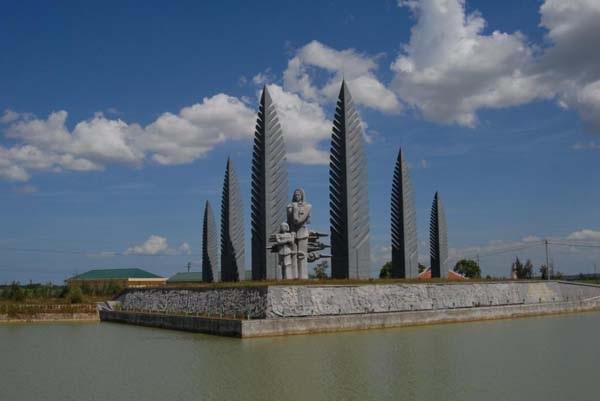 Những địa danh gắn với con sông Bến Hải vẫn mang trong mình rất nhiều câu chuyện hào hùng của những năm tháng chống Mỹ. Ảnh: TL.