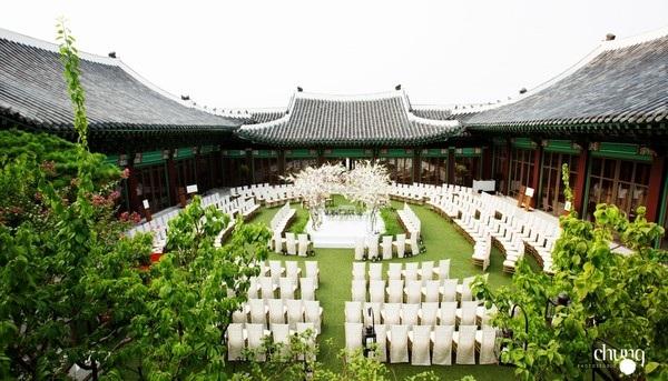 Bên trong khuôn viên địa điểm tổ chức hôn lễ của Song Hye Kyo và Song Joong Ki.