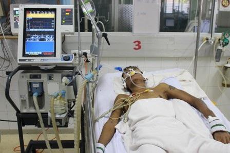 Nam thanh niên rơi vào nguy kịch sau khi đi làm rẫy ở vùng sâu vì nhiễm sốt rét