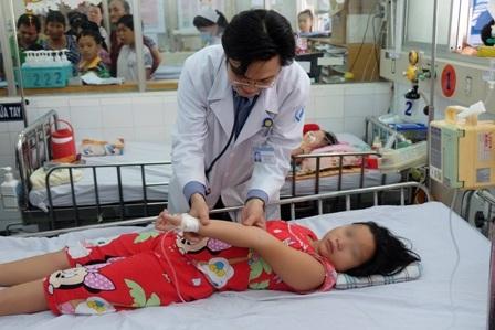 Bệnh sốt xuất huyết đang tăng nhanh, cộng đồng cần chủ động bảo vệ sức khỏe