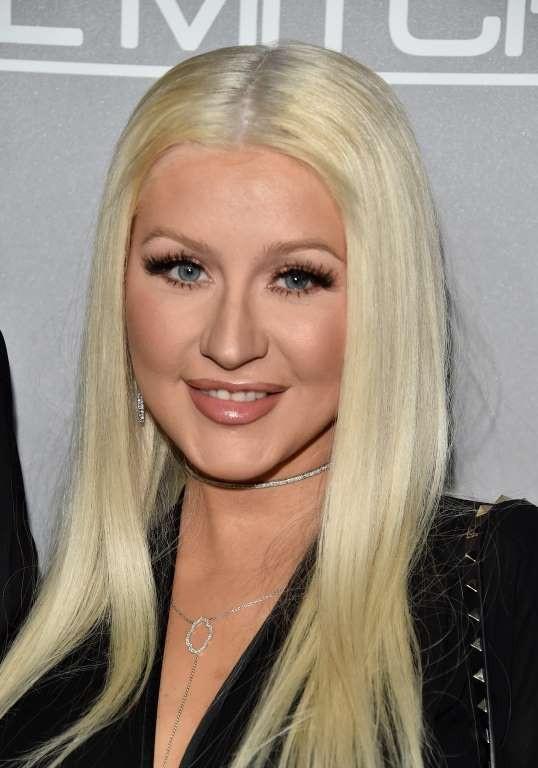 Nữ ca sĩ tóc vàng - Christina Aguilera nhận được khoảng 1 triệu USD cho một ca khúc duy nhất tại một bữa tiệc Halloween ở San Diego.