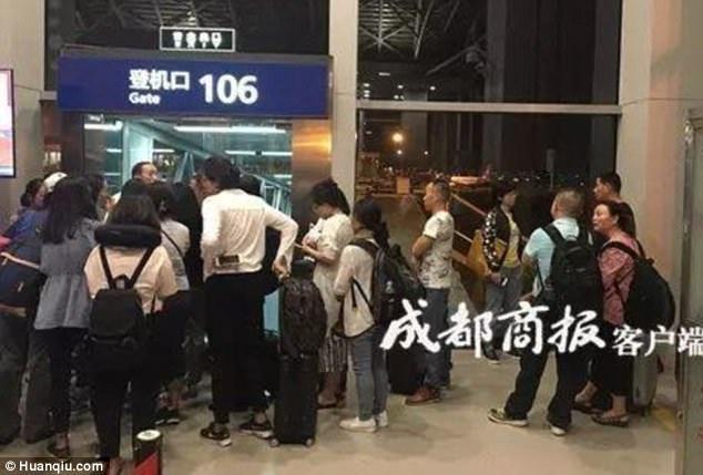 Hơn 150 hành khách bị ảnh hưởng vì sự nhầm lẫn của cơ trưởng