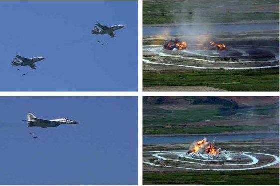 KCNA cho biết các đội thi được tổ chức theo từng nhóm riêng biệt, gồm nhóm điều khiển máy bay đột kích, máy bay ném bom và máy bay chiến đấu, nhóm điều khiển máy bay vận tải hạng nhẹ và trực thăng, nhóm gồm chỉ huy sư đoàn, lữ đoàn và các phi công trẻ vừa được cấp chứng nhận. Trong ảnh: Sukhoi Su-25 Frogfoot (trên) và MiG-29 (dưới) biểu diễn năng lực tấn công vào các mục tiêu giả định dưới mặt đất (Ảnh: Rodong Sinmun).