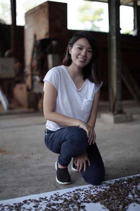 Red HongYi nổi tiếng với các bức tranh vẽ được tạo nên theo những cách đặc biệt