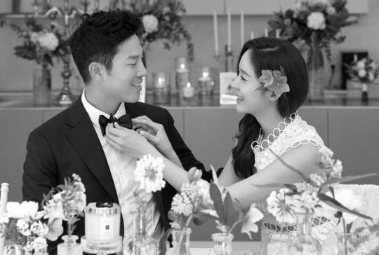 Sung Yuri và bạn trai 2 năm đã tổ chức hôn lễ bí mật vào ngày hôm qua 15/5 tại Hàn Quốc.