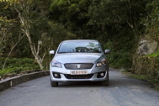 Mẫu Suzuki Ciaz có đợt tặng quà lên tới gần 100 triệu đồng, trong khi giá bán hiện tại của mẫu xe này là 580 triệu đồng.