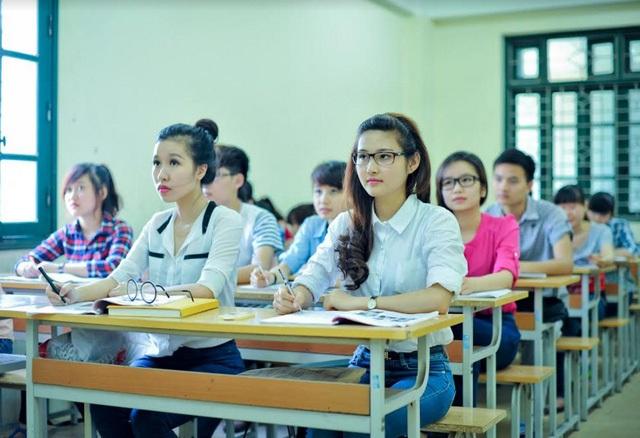 Sinh viên Đại học Phương Đông.