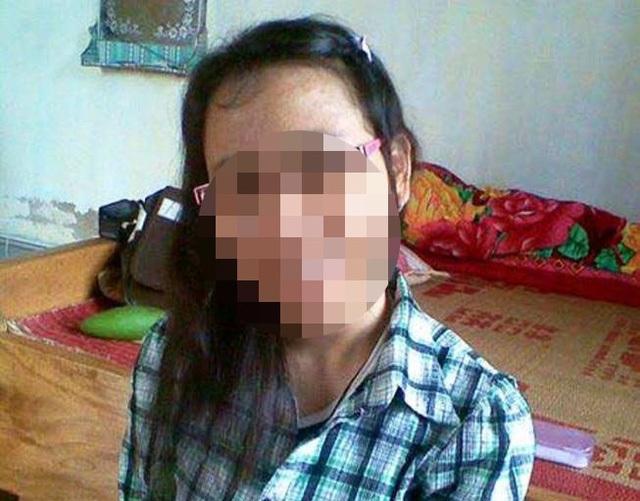 Nữ sinh Vũ Thị D. được gia đình tìm thấy khi đang làm phục vụ bàn tại Thừa Thiên - Huế