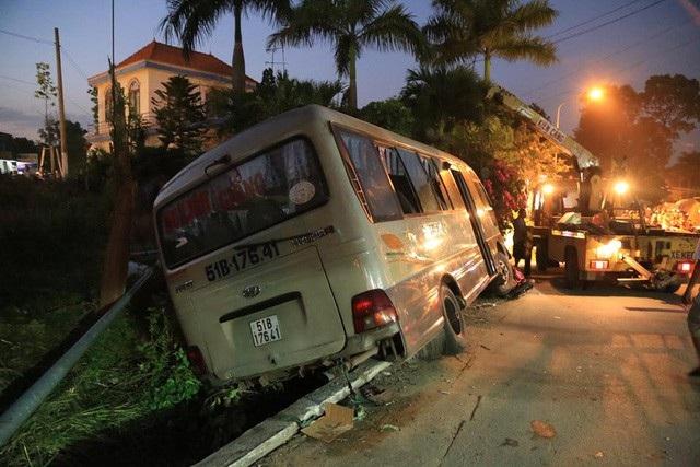 Công an tỉnh Bình Dương đã khởi tố vụ án, bắt tạm giam tài xế xe khách để điều tra về hành vi vi phạm quy định về điều khiển phương tiện giao thông đường bộ.