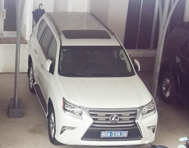 Một chiếc Lexus mà tỉnh Cà Mau được doanh nghiệp tặng