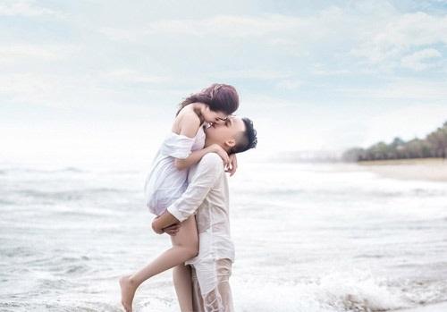 Chồng của cô là Hải Nam (sinh năm 1991, làm trong ngành xây dựng)