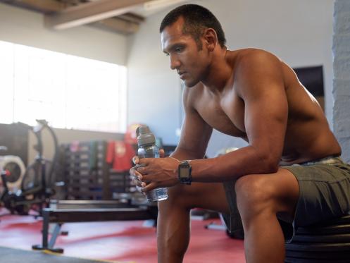 Những thói quen gây hại sức khỏe khi tập luyện - 2