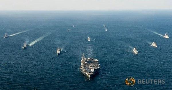 Tàu hải quân Mỹ - Hàn trong một cuộc tập trận năm 2016 (Ảnh: Yonhap)