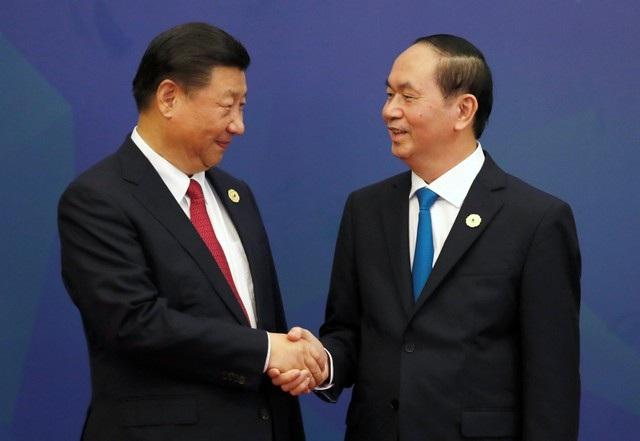 Chủ tịch Trung Quốc Tập Cận Bình bắt tay Chủ tịch Nước Trần Đại Quang
