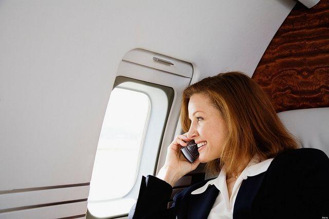 Tại Trung Quốc, du khách có thể bị phạt tù nếu cố tình dùng điện thoại khi bay