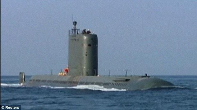 Một tàu ngầm lớp Sinpo của Triều Tiên. (Ảnh: Reuters)