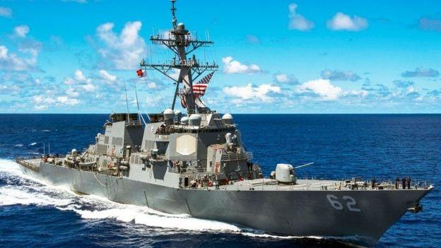 Con tàu nguyên vẹn trước vụ va chạm. (Ảnh: Reuters)