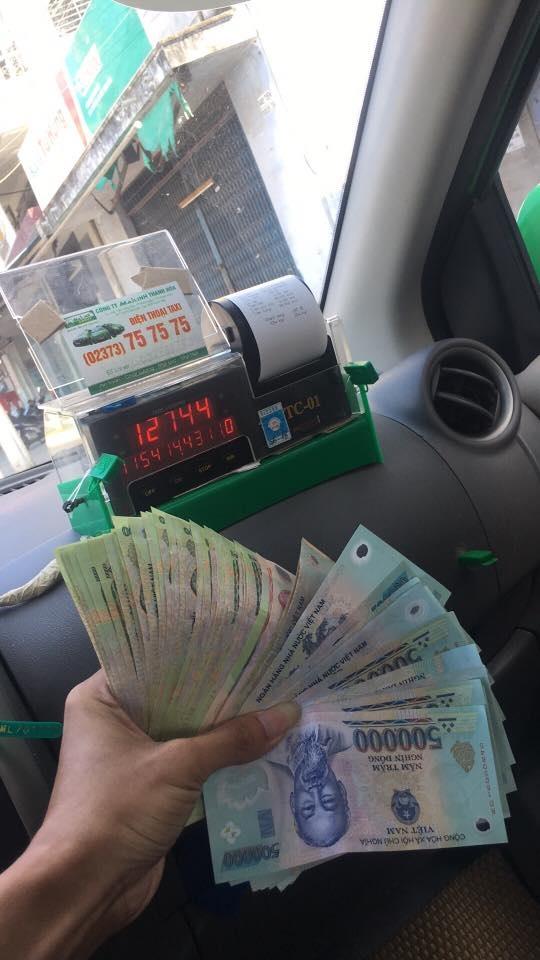 Hình ảnh kết thúc chuyến hành trình được tài xế taxi chia sẻ trên mạng xã hội