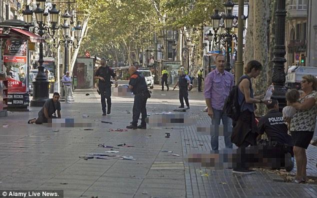 Hiện trường vụ tấn công khiến 13 người thiệt mạng ở Las Ramblas, Barcelona (Ảnh: Alamy)