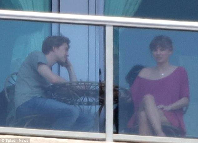 Taylor đưa bạn trai mới hẹn hò về thăm gia đình cô ở  Tennessee