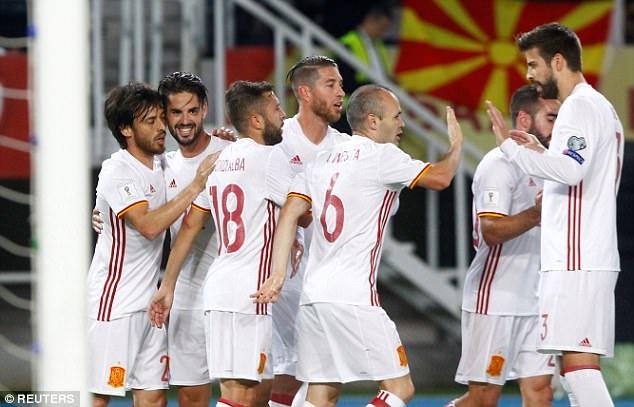Tuy nhiên ở phút 27, Tây Ban Nha đã nâng tỷ số lên 2-0