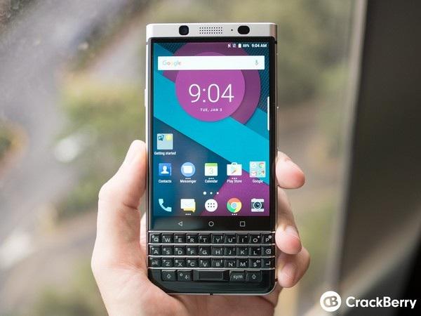 BlackBerry Mercury sở hữu bàn phím vật lý quen thuộc trên các dòng BlackBerry trước đây