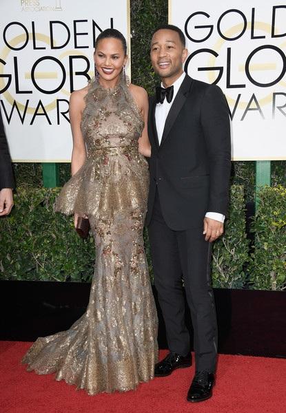 Vợ chồng Chrissy Teigen - John Legend rất hiếm khi đi dự sự kiện mà không có nhau