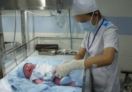 Sau khi chào đời, nếu trẻ bị vàng da quá 15 ngày cần nghĩ đến bệnh teo đường mật