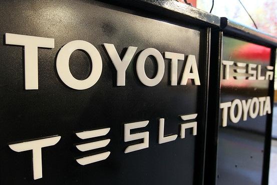 Toyota từng sở hữu 3% cổ phần Tesla, trị giá 50 triệu USD khi mua vào năm 2010.