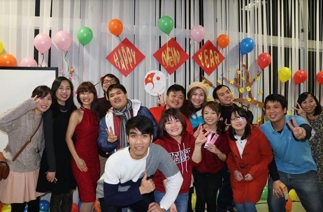 Bạn trẻ Việt tụ họp bên mâm cỗ Tết tại Osaka - 7