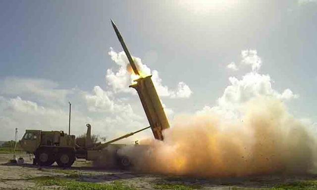 Hệ thống Phòng thủ tên lửa tầm cao giai đoạn cuối - THAAD (Ảnh: Bussiness Insider)