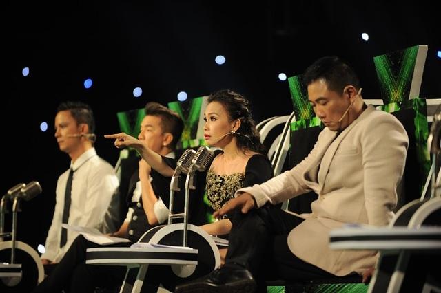 Những giọng ca ngang tài, ngang sức đã khiến hai huấn luyện viên Cẩm Ly - Minh Vy bối rối trong việc chọn thí sinh đi tiếp, đến mức cặp vợ chồng gây lộn nhiều ngày.