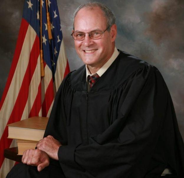 Thẩm phán Joseph Bruzzese Jr. (Ảnh: BBC)