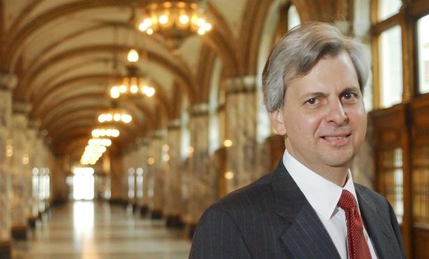 Thẩm phán Richard Clifton. (Ảnh: AFP)