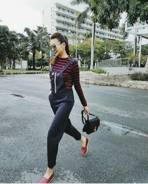 Thanh Hằng tung ảnh khác trong trang phục nhí nhảnh, dòng trạng thái hài hước: Đây là Thanh Hường, em gái của Thanh Hằng.