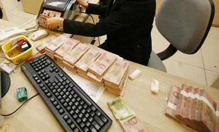 Thanh khoản hệ thống dư thừa nhưng không đồng đều giữa các ngân hàng
