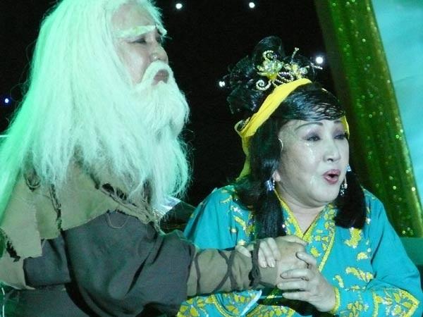 Nghệ sĩ Thanh Sang thành danh với vai Tạ Tốn trong Cô gái Đồ Long