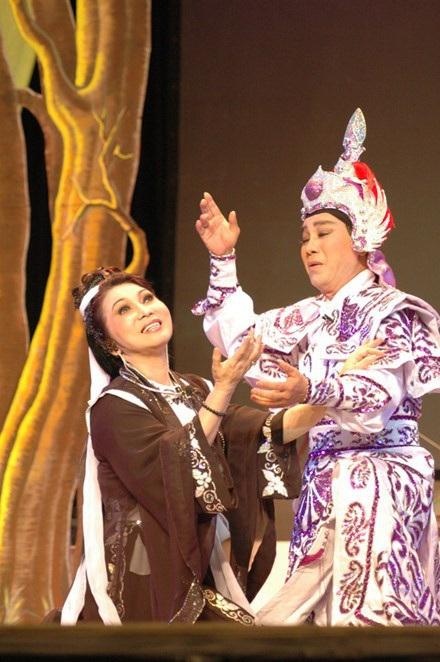 Nghệ sĩ Thanh Sang và NSND Bạch Tuyết trong Lục Vân Tiên