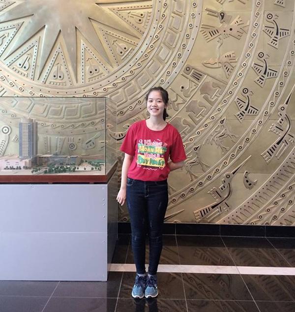 """Nụ cười """"tỏa nắng"""" của nữ sinh Hải Dương thi Đường lên đỉnh Olympia - 7"""