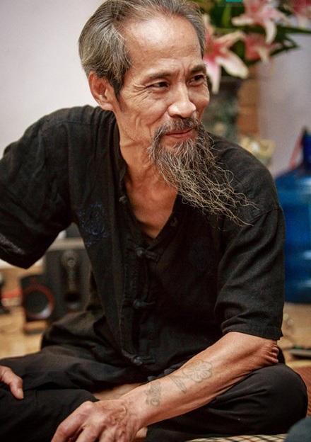 Nghệ sỹ Chu Hùng ngoài đời là một người đàn ông hiền lành, chan hoà và yêu thương gia đình. Ảnh: TL.